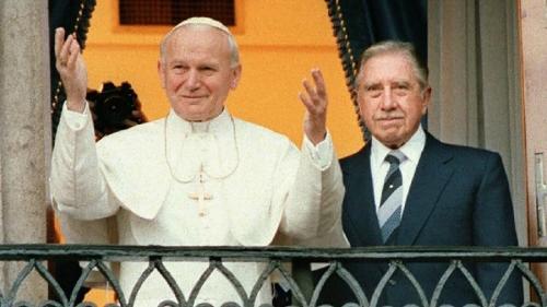 JPII-Pinochet.jpg